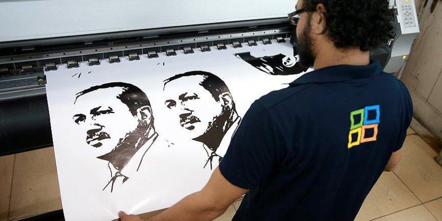 Katar'da Erdoğan Posterlerine Yoğun İlgi