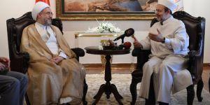 """""""Vahdet"""" Diyen Takrib-i Mezahib Başkanı, İran'ın Mezhepçi Politikasına Bir Şey Diyor mu?"""