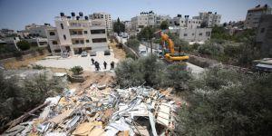 İşgalci İsrail Doğu Kudüs'te Filistinli Ailenin Evini Yıktı
