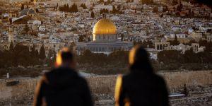 Kudüs Müslümanların Sadece İlk Kıblesi Değil, Onurudur!