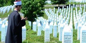 """""""Srebrenitsa'daki Soykırımda 25 İmam Öldürüldü"""""""