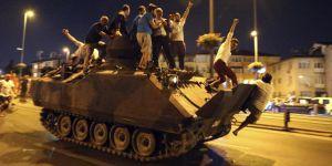 'Devleti Olan Bir Ordu' Çarpıklığından, 'Halkın Emrinde Olan Bir Ordu'ya..
