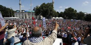 İşgalci İsrail Beyazıt Meydanı'nda Protesto Edildi
