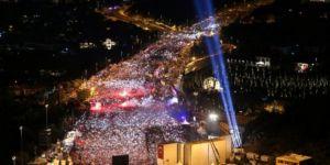 Görkemli Kutlamaları Adaletsizliğe Örtü Yapmak!
