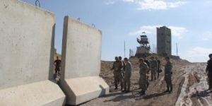 Türkiye İran Sınırına Duvar Örüyor