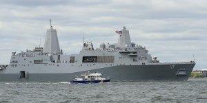 ABD'ye Ait Savaş Gemisi Tankerle Çarpıştı: 10 Asker Kayıp
