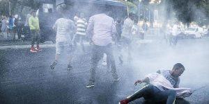 Roma'da Göçmenlere Tazyikli Su ve Biber Gazı ile Müdahale!