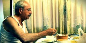 Kılıçdaroğlu'nun Atletli Fotoğrafı ve Toplumun CHP'ye Bakışı