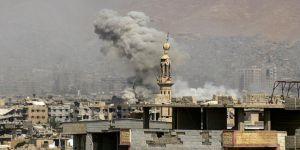 Deyrizor'da Hava Saldırıları: 2'si Çocuk 19 Ölü