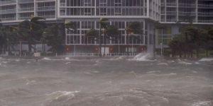 Florida'da Irma Kasırgası: 180 Bin Kişi Barınaklarda Kalıyor