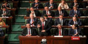 Tunus Parlamentosundan Yeni Hükümete Güvenoyu