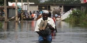 Nijerya'da Sel 10 Bin İnsanı Yerinden Etti