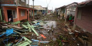 Maria Kasırgası Dominika'yı Yerle Bir Etti