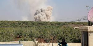 Esed ve Rusya'nın İdlib'e Hava Saldırıları Sürüyor