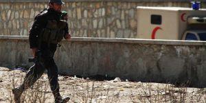 IŞİD Afganistan'da Okulu Ateşe Verdi
