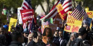 Trump'ın Seyahat Yasağına Beyaz Saray Önünde Protesto