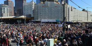 Avustralyalılar Gözaltı Merkezindeki Mülteciler İçin Yürüdü