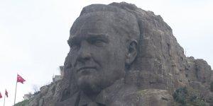 Atatürk'ü Koruma Kanunu Düşünce Özgürlüğünün Neresinde?