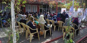 Ekin Kitap Kafe'de Ali Emre Okurlarıyla Buluştu