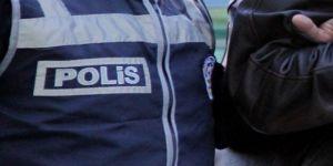 Kur'an Hocası Kadın, Kapısı Kırılarak Tutuklandı