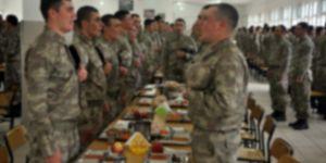 """Jandarmanın Yemek Duasında Artık """"Tanrı"""" Kavramı Kulanılmayacak"""