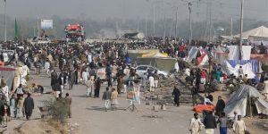 Pakistan'da Hükümet ile Protestocular Arasında Uzlaşma