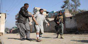 Afganistan'da Peş Peşe Patlamalar