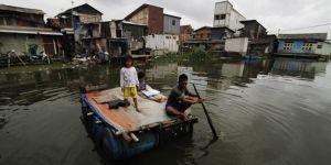 Endonezya'da Kasırga: 20 Kişi Hayatını Kaybetti