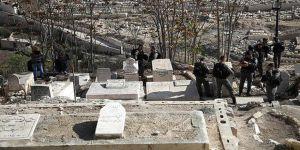 İşgal Güçleri Müslümanların Mezarlığına da Göz Dikti
