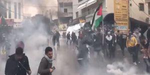 Lübnan'da ABD Elçiliği Önünde Kudüs Protestosu