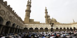 """Mısır'da Cuma Hutbelerinin Konusu """"Kudüs"""""""
