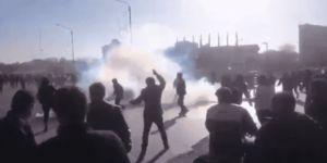 """İran'da Eylemler Büyüyor: """"Suriye'yi Bırak Bizi Düşün"""""""