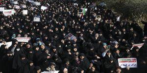 İran'da 2 Protestocu Daha Öldürüldü