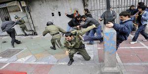 Dışarıdan Destek Açıklamaları İranlı Protestocuların Yararına mı?