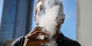 """""""Elektronik Sigara, Sigara Bırakma Aracı Değildir"""""""