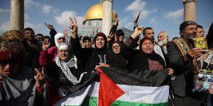 Mescid-i Aksa'da Cuma Çıkışı ABD-İsrail Protestosu