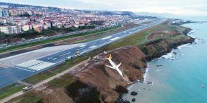 Trabzon Havalimanı'na İnen Uçak Pistten Çıktı