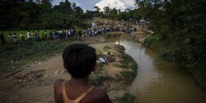 Myanmar'da Su Çi'nin Evine Molotof Kokteylli Saldırı