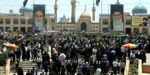 İran Cumhurbaşkanlığı Sarayı'nda Silah Sesleri