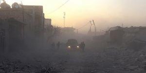 Katil Rusya İdlib'de Hastane ve Okulları Vurdu: 10 Ölü