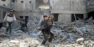 Suriyeliler Doğu Guta İçin Rusya Konsolosluğu'na Yürüyor