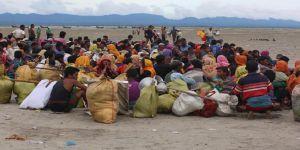 Myanmar'dan Arakan'ın Bangladeş Sınırına Tel Örgü