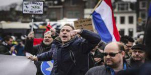 Hollanda'da Sağ-Sol Çatışması Giderek Tırmanıyor