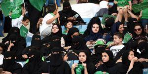 Suudi Arabistan'da Kadınlara Askerlik Yolu Açılıyor