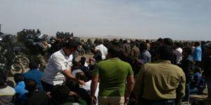 İran'da Çiftçiler Hükümeti Protesto Etti