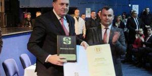 Srebrenitsalılardan, Sırp Başkana Altın Plaket Verilmesine Tepki