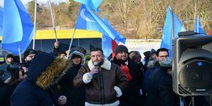 Uygurlardan İsveç Parlamentosu Önünde Gösteri