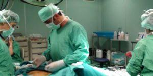 Yumurtalık Kisti İçin Girdiği Ameliyatta Bağırsağı Delindi