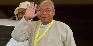 Myanmar Devlet Başkanı Htin Kyaw İstifa Etti