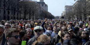 ABD'de Yüz Binler Silah Karşıtı Protestolarda Birleşti!